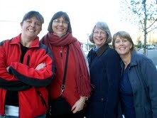 Romy Polizotto, Laura Devin, Beth Whitney, Karen Wolfe outside Boston Museum of Fine Arts.